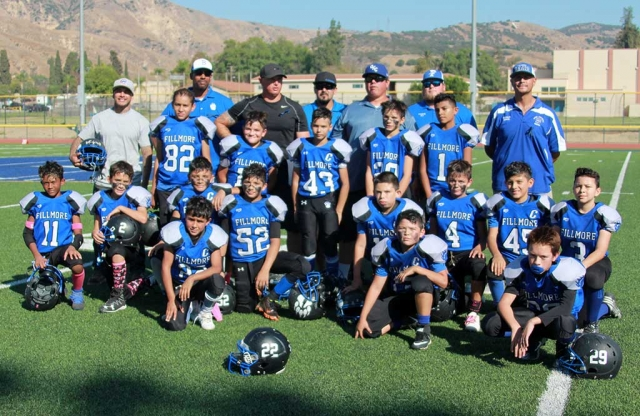 SoCal Fillmore Bears Midgets team who made the playoffs this year stop and pose for a photo after their game on Saturday. All Youth Raiders & SoCal Bears Football & Cheer photos courtesy of Crystal Gurrola.