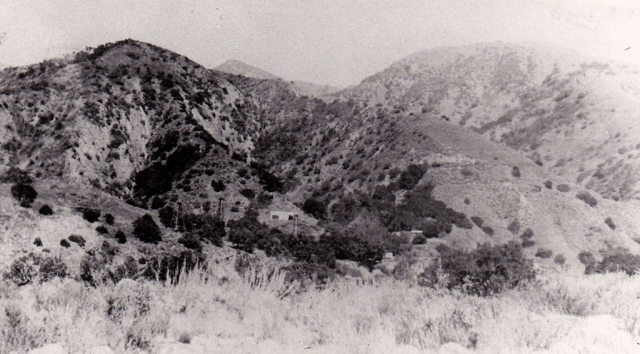 The Kentuck oil lease up Sespe Creek, 1899.