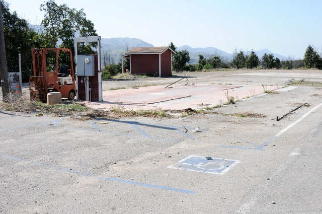 Francisco's Fruits, formerly located at 1782 East Telegraph/Hwy 126, has closed. The stand opened in 1983 and was located 3-miles east of Fillmore. An empty lot now sits where the popular stand once stood.