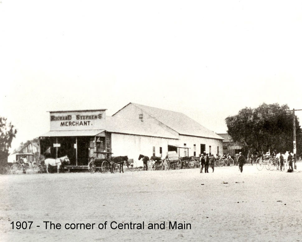 "Stephens Store about 1907 with ""Stephens' Hall"" in the background."